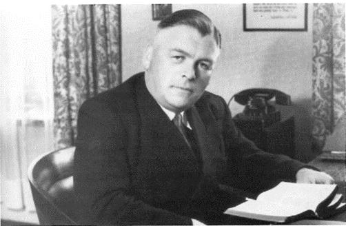 Pastor Wilhelm Unger wirkte ab 1942 als Vorsteher des Diakonissen-Mutterhauses mit seinem Krankenhaus und Direktor der Rotenburger Anstalten. Er war laut Document Center in Berlin von 1930 bis 1932 Mitglied der NSDAP, das Unterschreiben des Mitgliedsantrages gestand er zu, nicht aber Mitgliedsbeiträge gezahlt zu haben. Die Mitgliedschaft gab er im Entnazifizierungsverfahren nicht an. 1949 von der Militärregierung über das Landeskirchenamt dazu befragt, antwortete Unger ausweichend. Das Verfahren wegen Falschaussage gegen ihn wurde eingestellt.